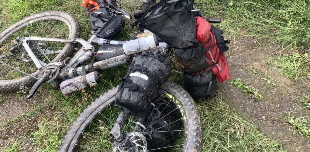 bepacktes Bikepacking Fahrrad