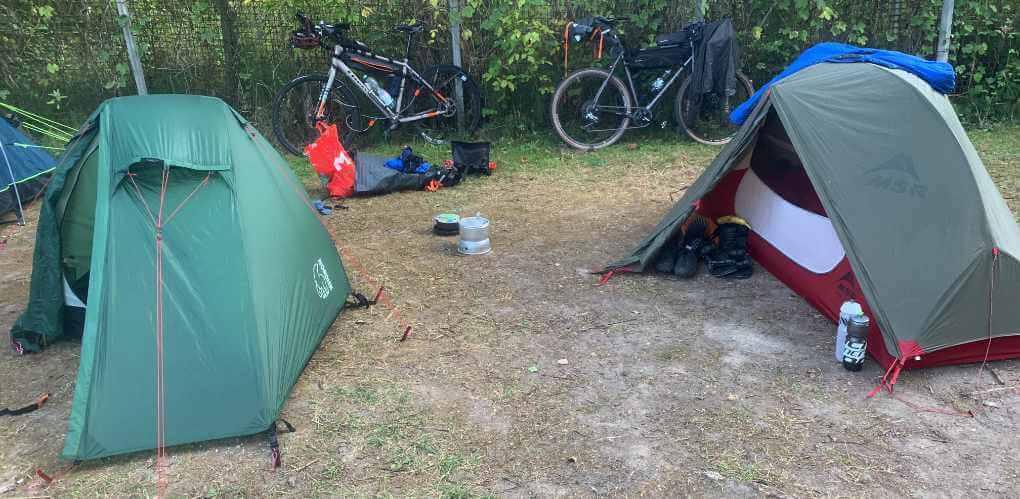 Zelte am Kalterer See